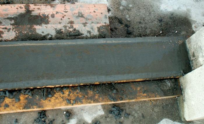 Autoconstruction de notre maison fenetres - Comment faire un seuil de porte en beton ...